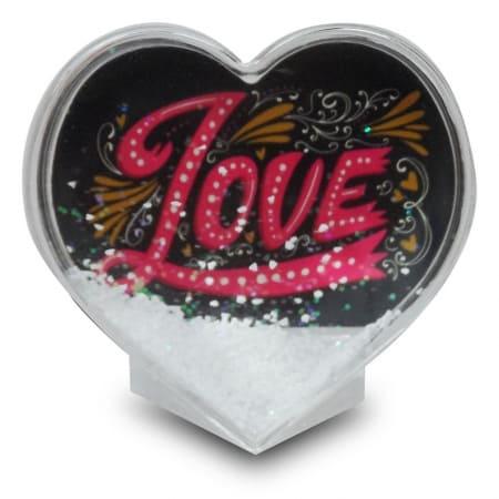 קריסטל בצורת לב עם שלג